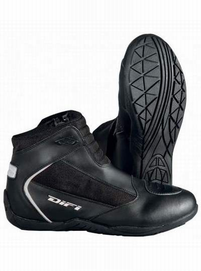 bottes moto bullson,chaussures moto homme dainese,chaussures